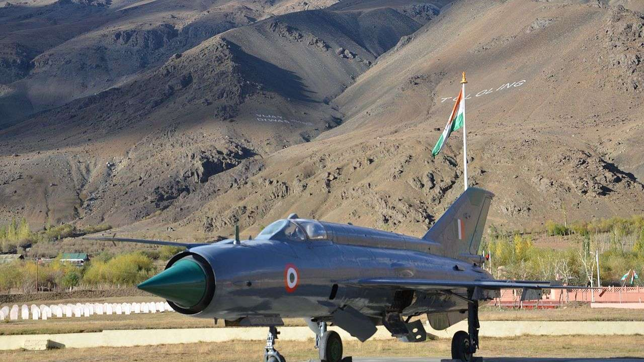 Two students of Army's 'Samba Super-40' pass Air Force Common