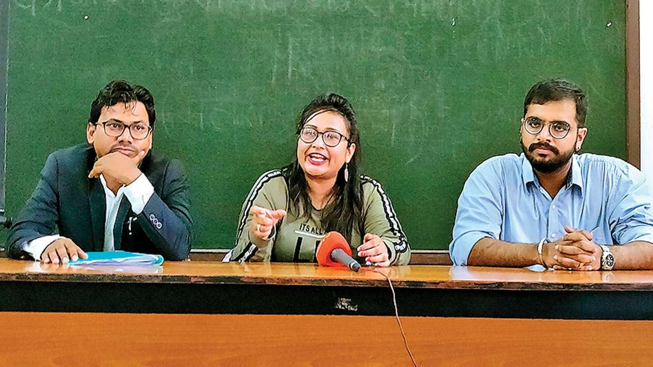 Mumbai: Students demand fee back from fake college