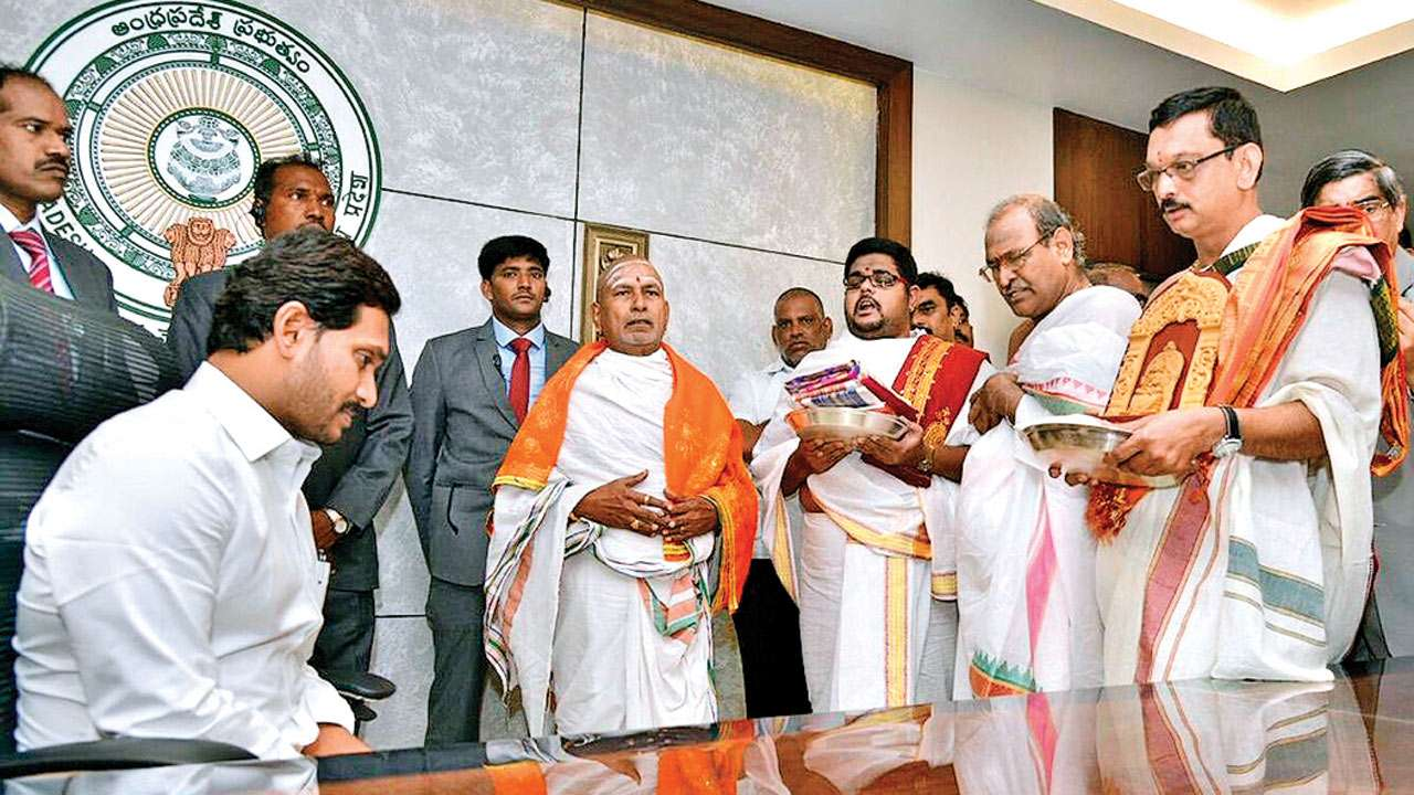 5 DyCMs, Dalit woman as Home Minister: YS Jagan Mohan