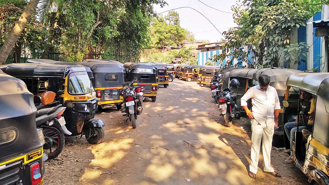 Mumbai: Autos to go off roads on July 9, unions decide