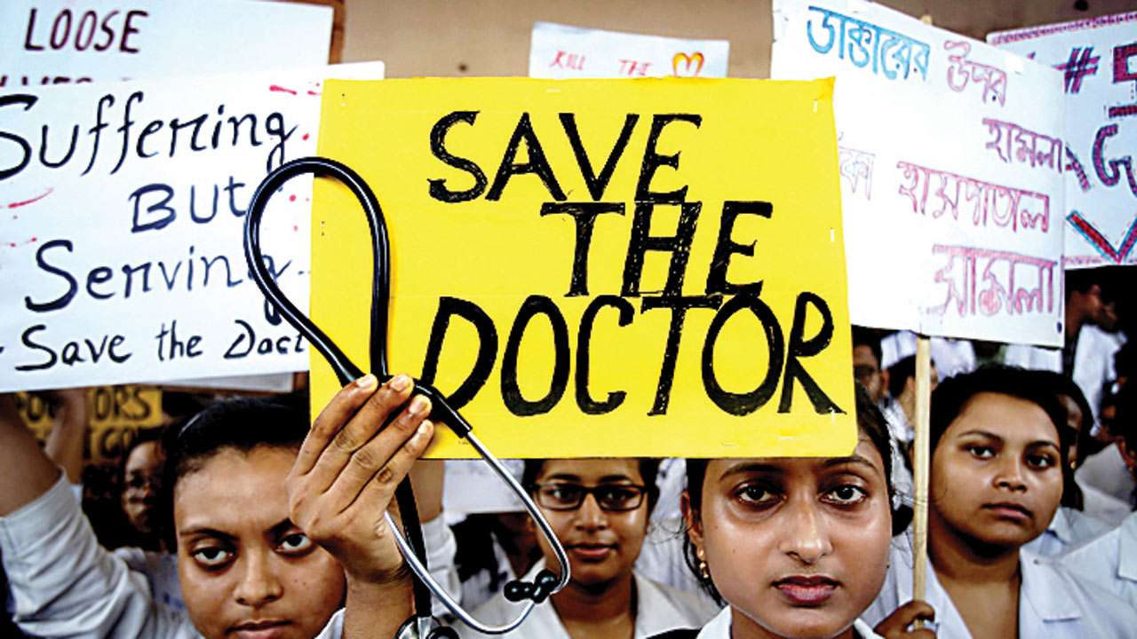 Mumbai hospitals fail to fix working hours for resident doctors