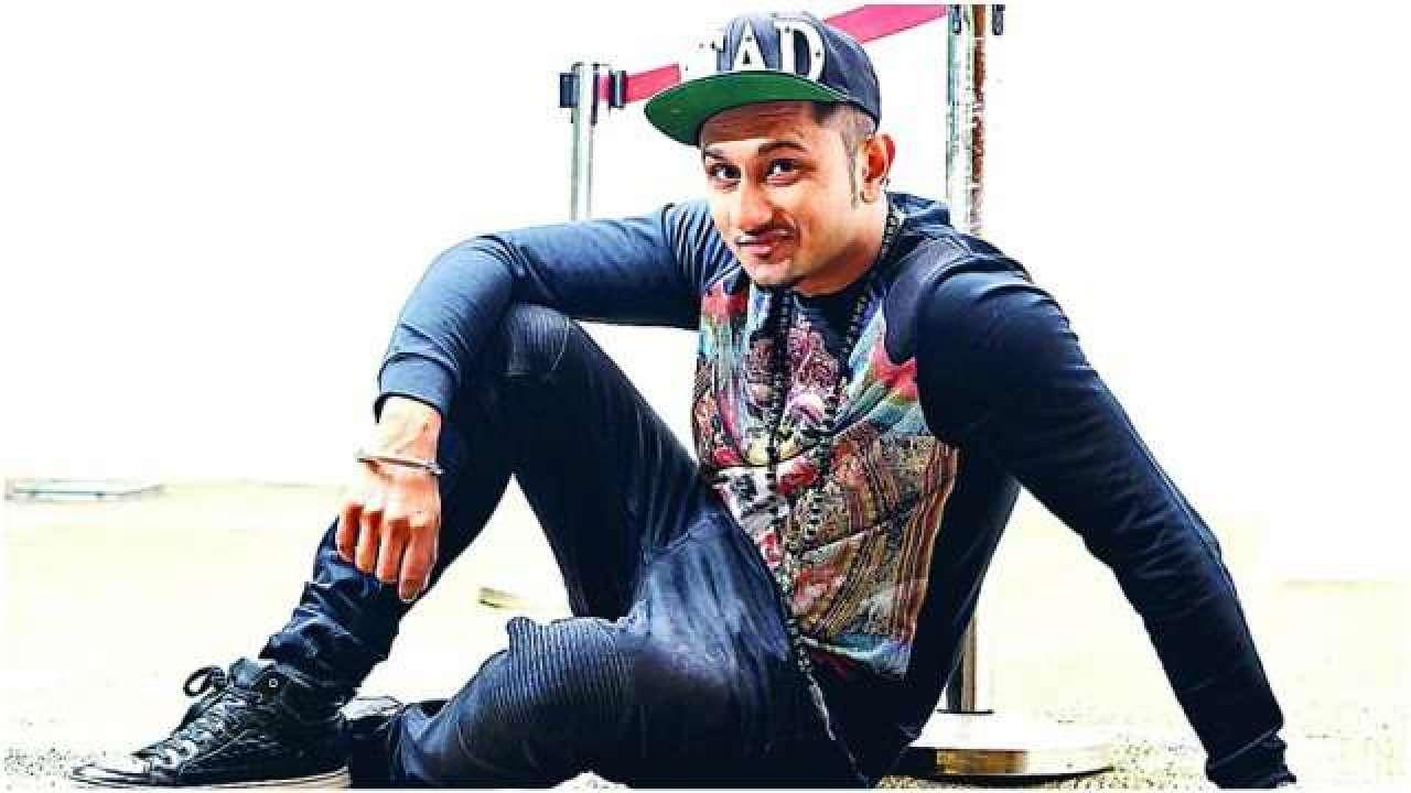Yo Yo Honey Singh S Gearing Up For The Release Of His Bhangra Hip Hop Song Aún no tenemos ningún álbum de este artista, pero puedes colaborar enviando álbumes de yo yo honey singh. yo yo honey singh s gearing up for the