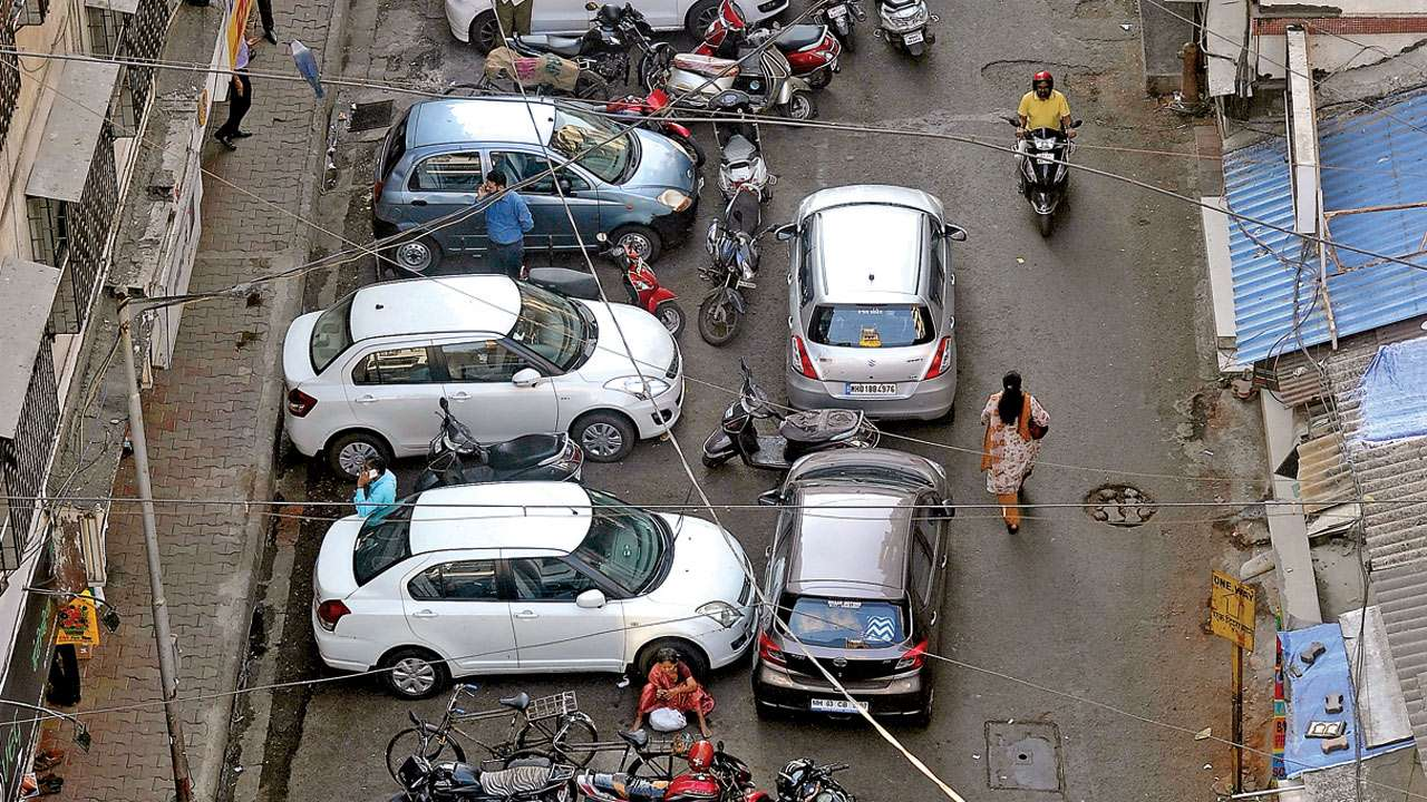 Corporators oppose BMC administration's Rs 10,000 fine parking policy