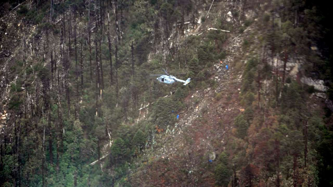AN-32 aircraft victims' rescuers, airdropped at crash site, remain stranded for 17 days