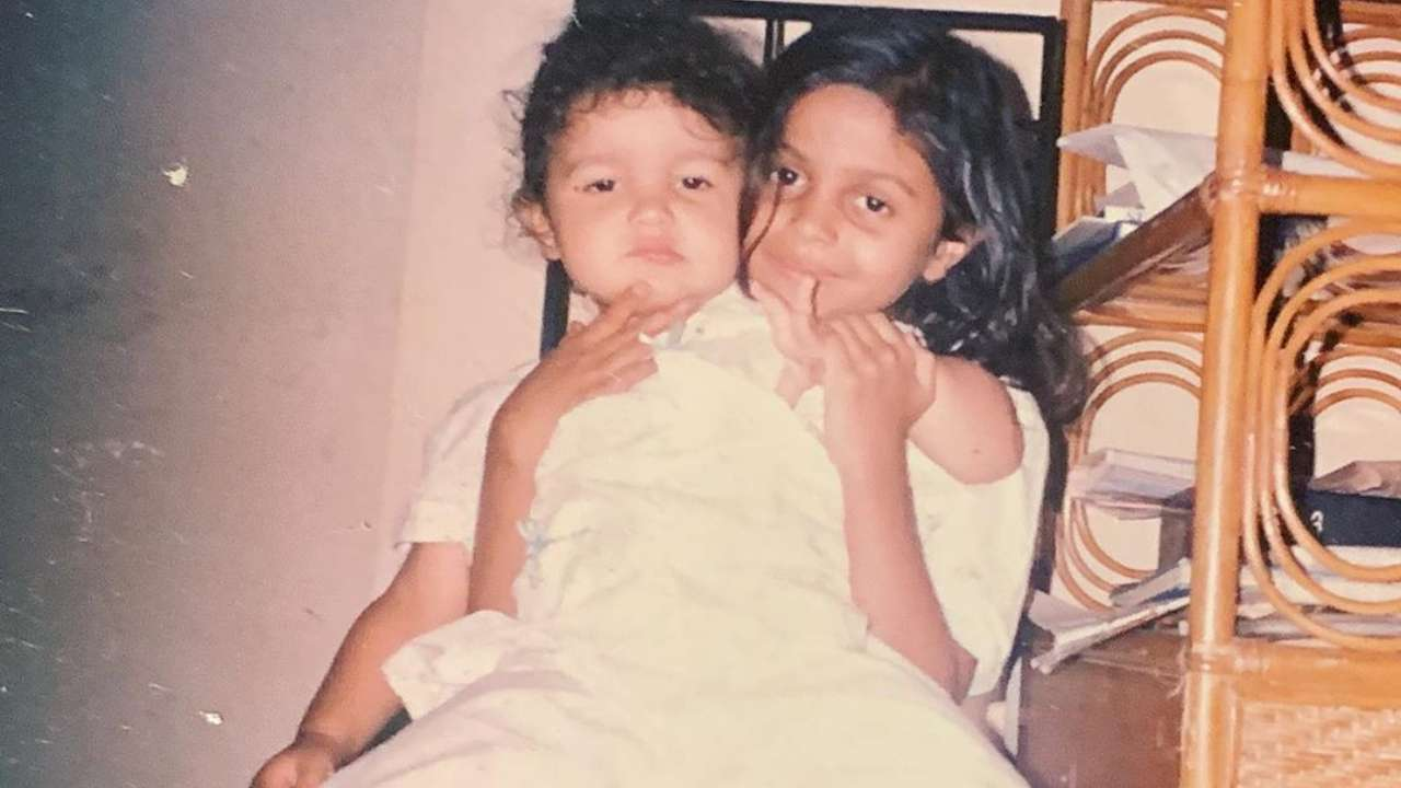 Alia Bhatt is one cute and grumpy kid in this throwback photo with sister Shaheen Bhatt