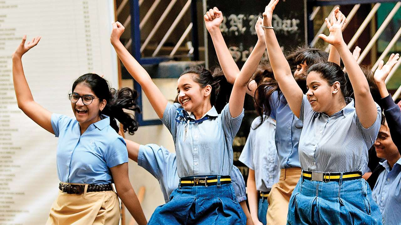 Maharashtra: Stds XI, XII will now be assessed for 600 marks
