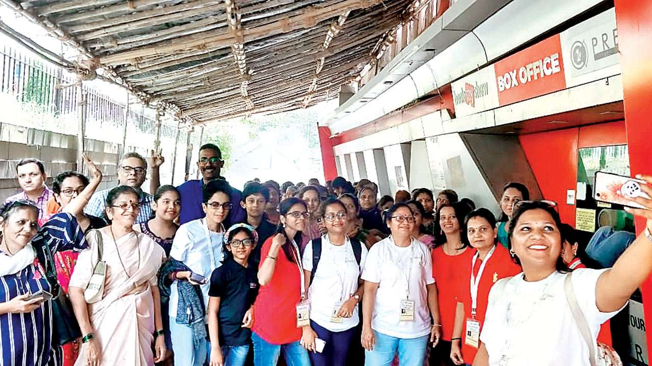 Mumbai: 'Brother' takes women cancer patients for a movie treat