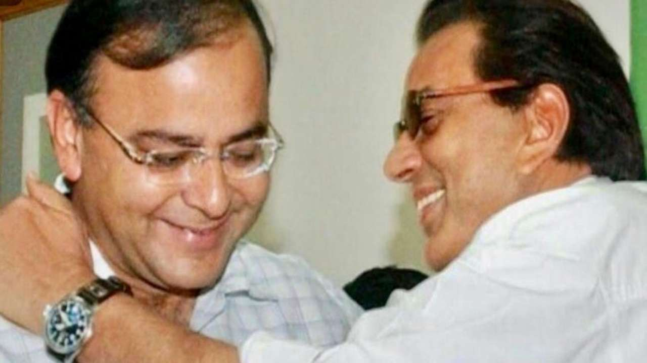 RIP Arun Jaitley: Dharmendra remembers younger brother who was 'good guide in politics'