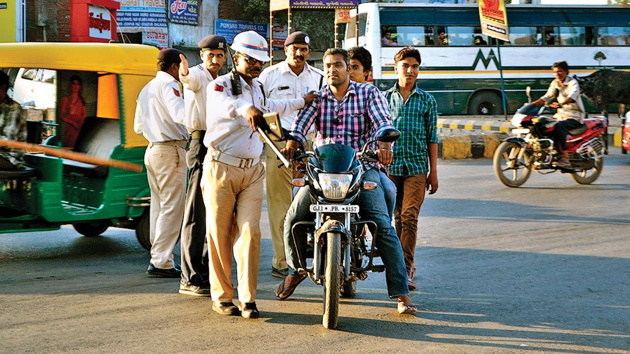 Ahmedabad: No. of challans drop, fines surge