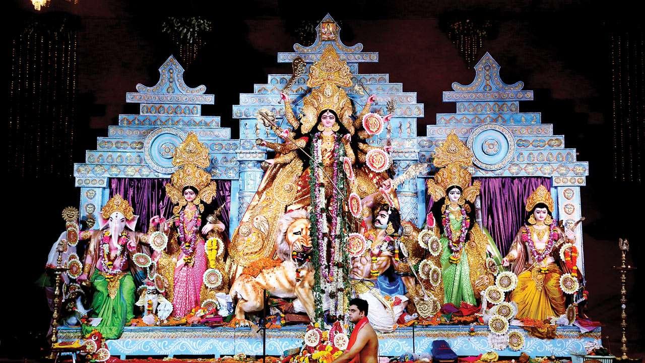 Mumbai: Palatial feel for Durga maa at Shivaji Park