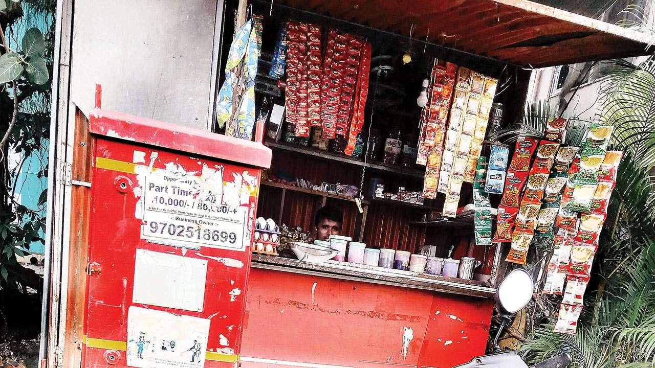 Tobacco sale thrives near Mumbai colleges