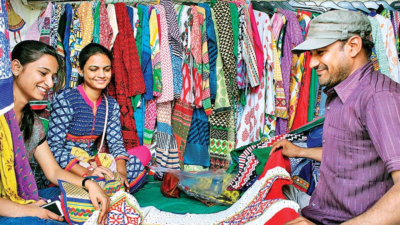 Ahmedabad: Textile markets seek buyers ahead of Diwali