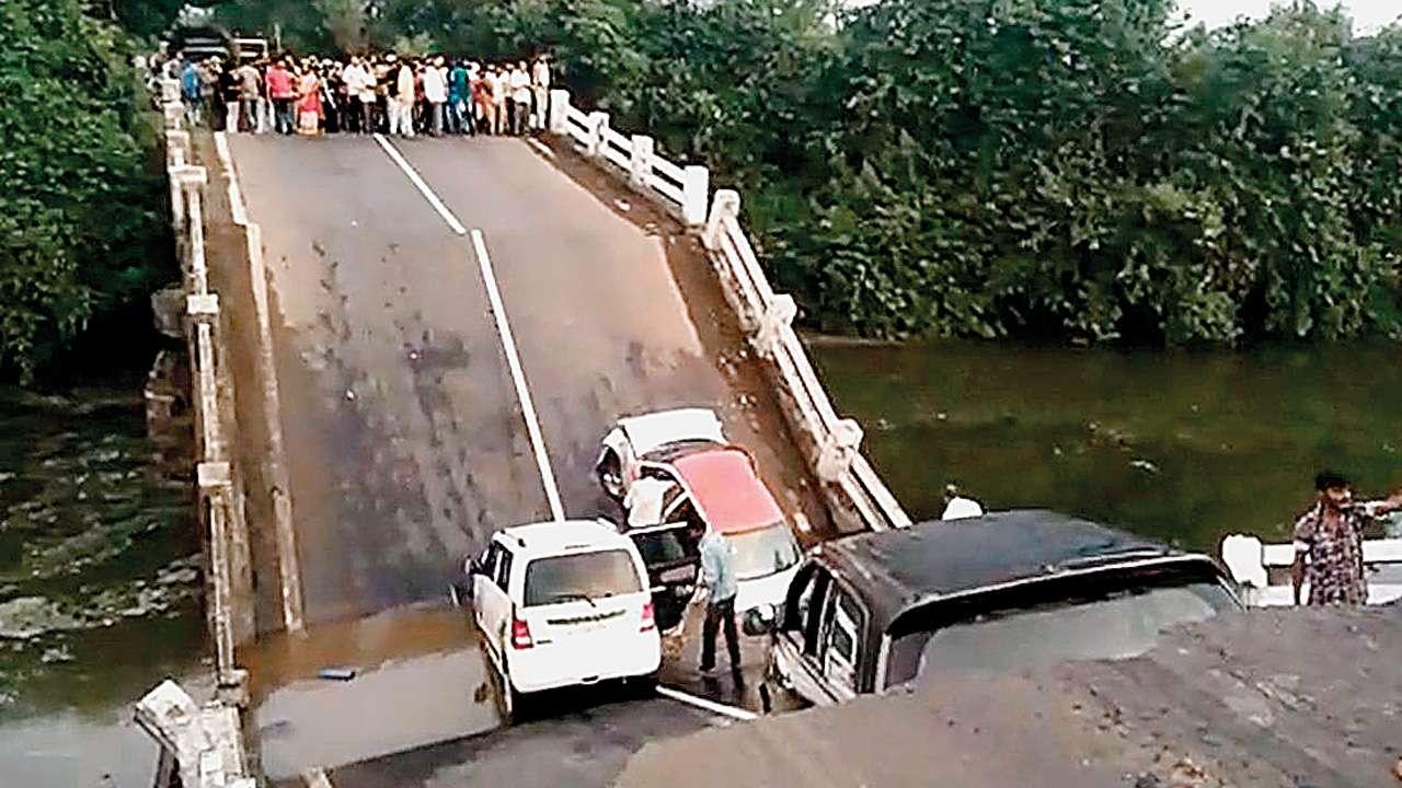 12 injured after bridge crashes near Junagadh