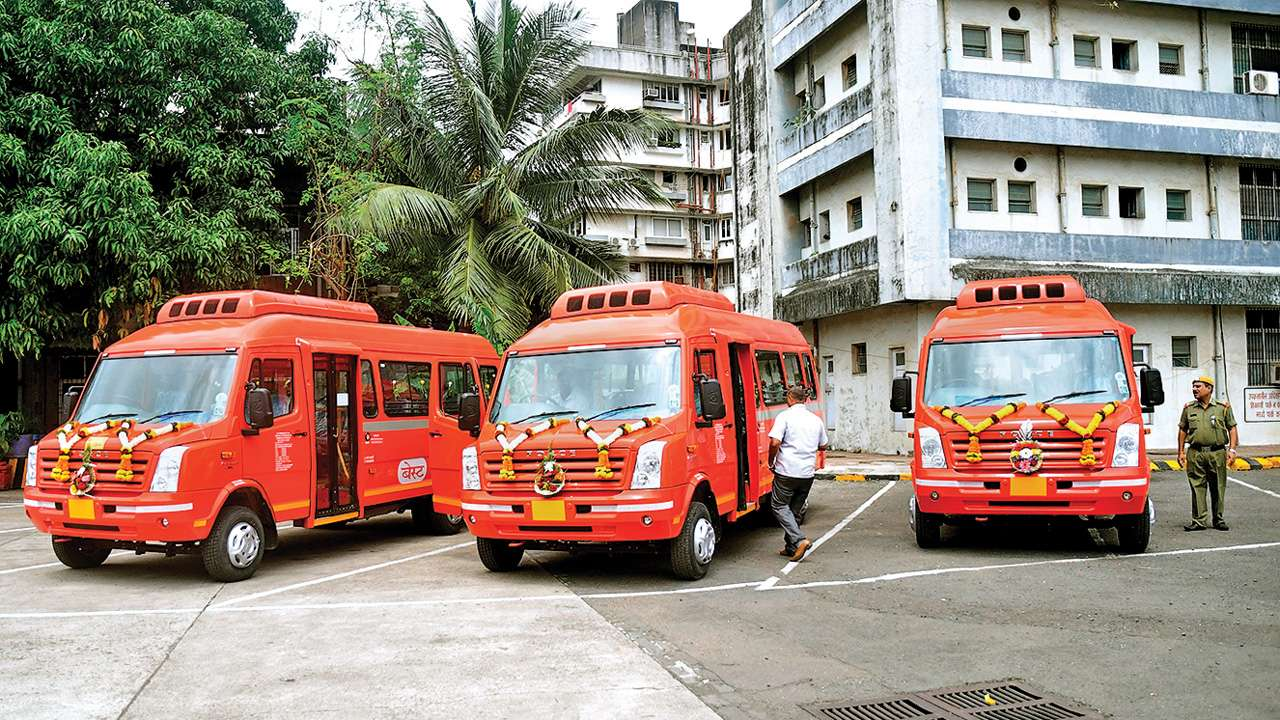 BEST mini AC buses a hit, more services in offing