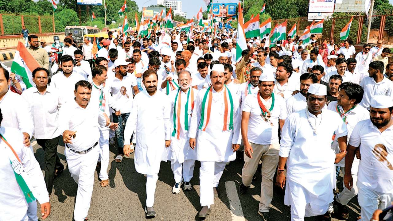 Gujarat Congress ousts man for letter against chief Amit Chavda