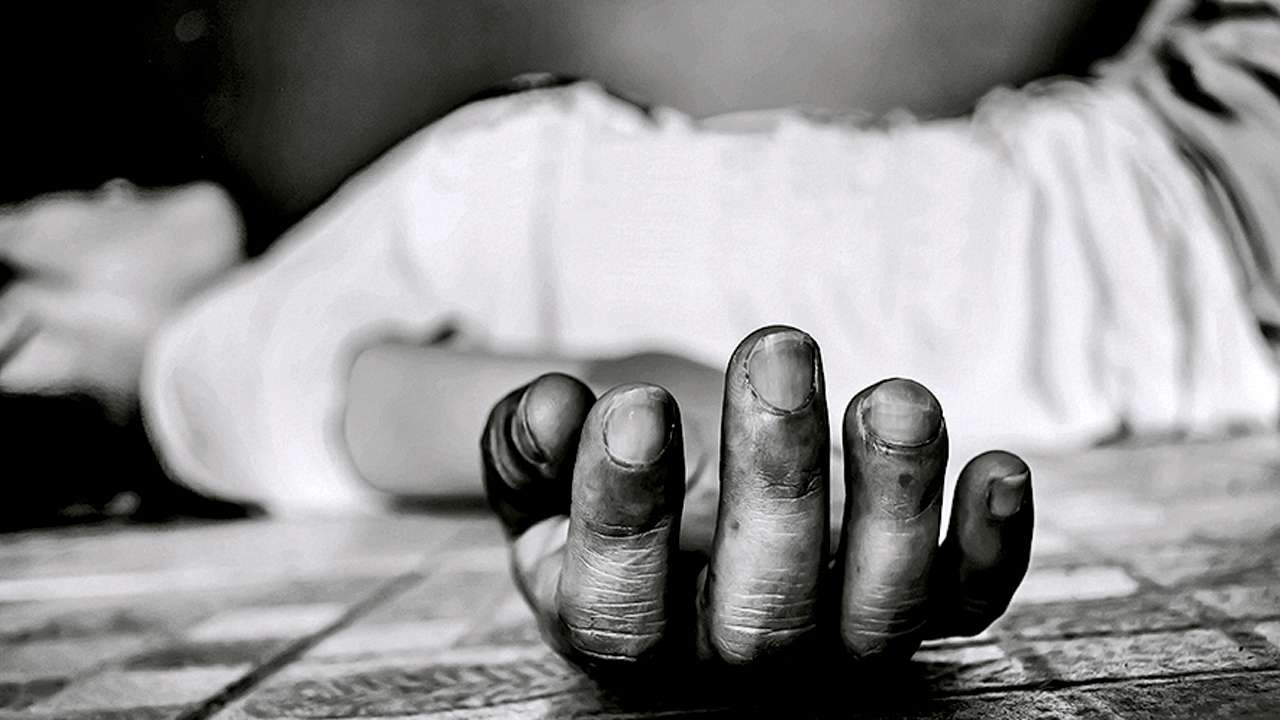 Ahmedabad: Live-in couple found dead, police suspect suicide