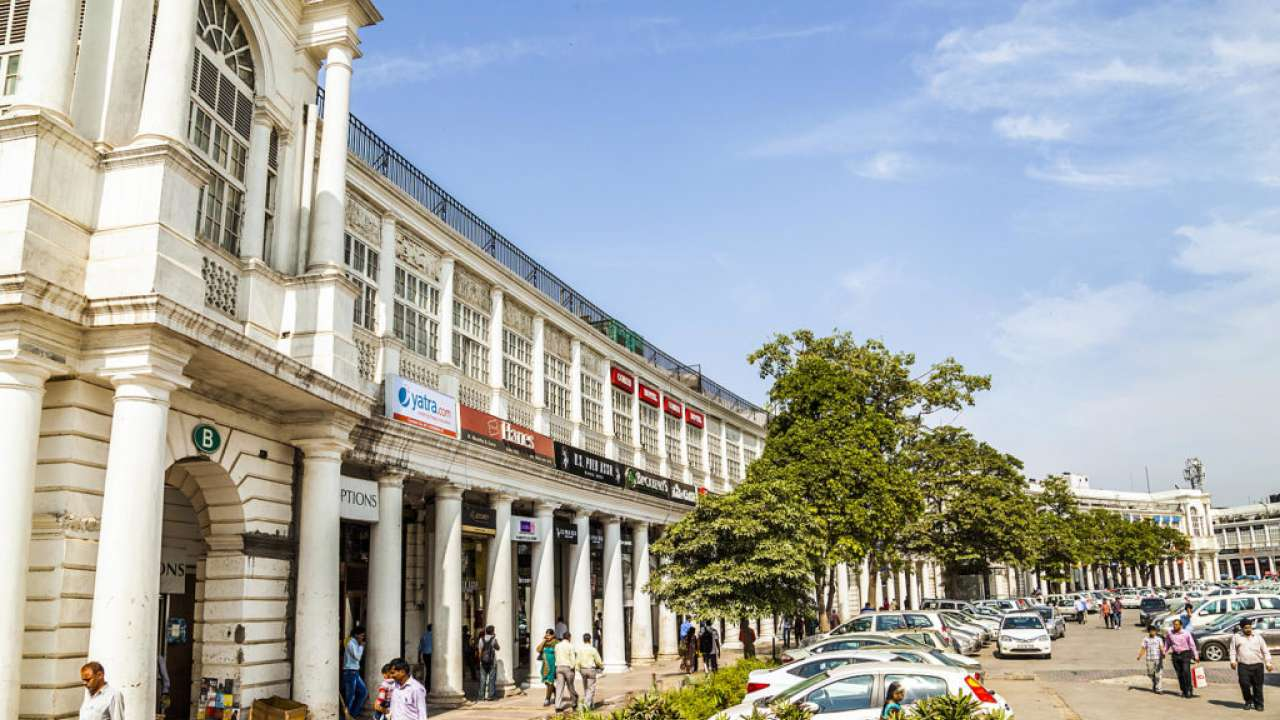 Two bike-borne men snatch senior Airforce officer's mobile phone at Connaught Place