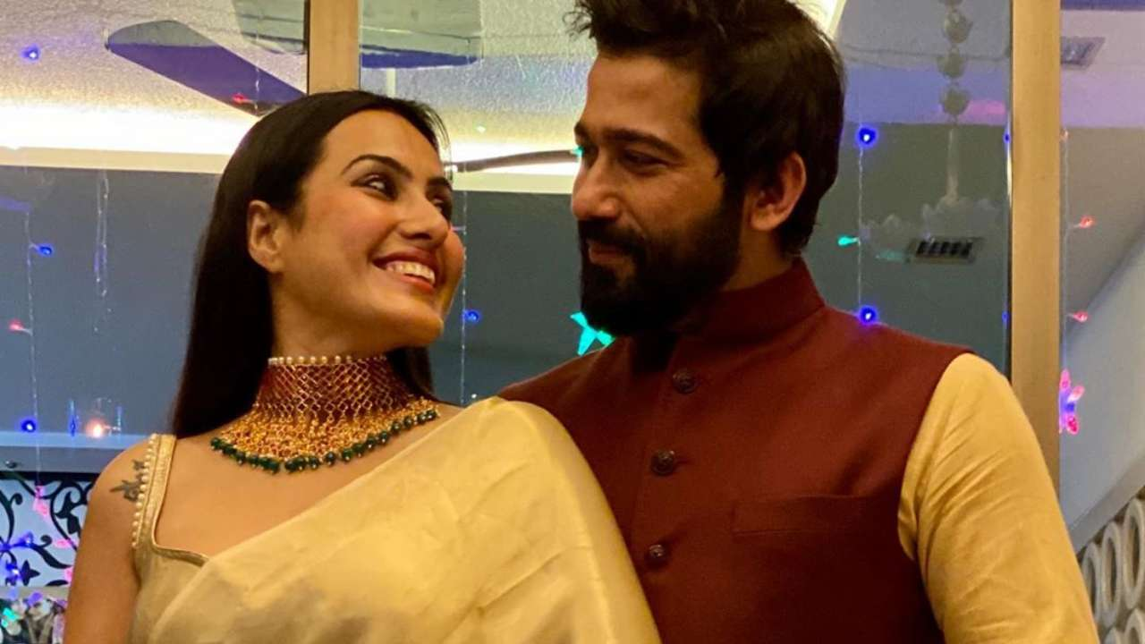 Former 'Bigg Boss' contestant Kamya Panjabi finds love again, to tie the knot next year