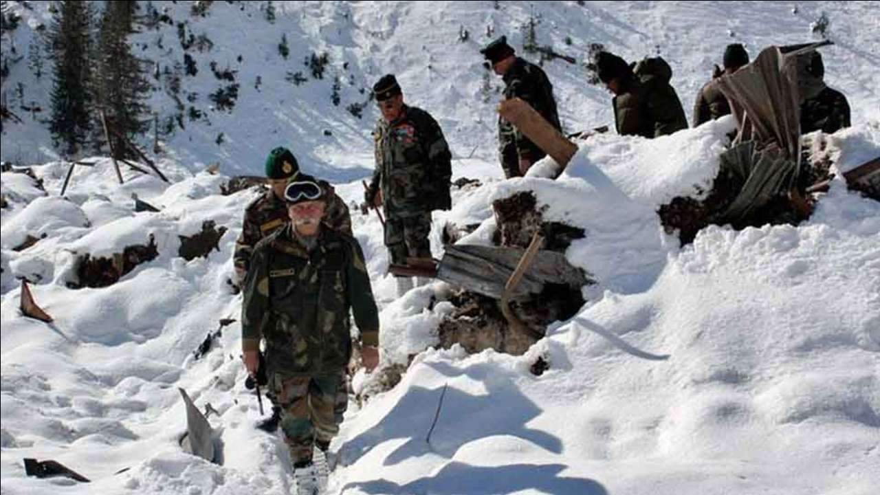 Four jawans martyred as avalanche hits Army posts in Jammu & Kashmir