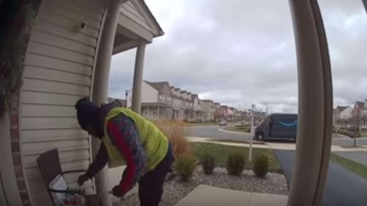 Video: Homeowner leaves gifts for Amazon delivery man & his reaction will make your day