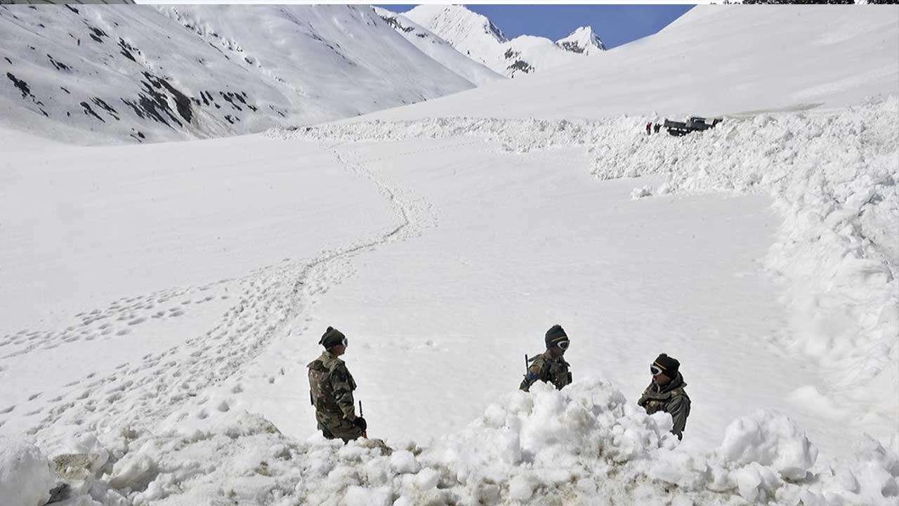 Image result for jammu kashmir avalanche