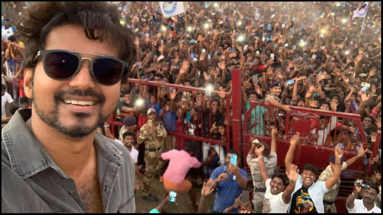 Actor Vijay poses with fans in Neyveli, his selfie goes viral on Twitter