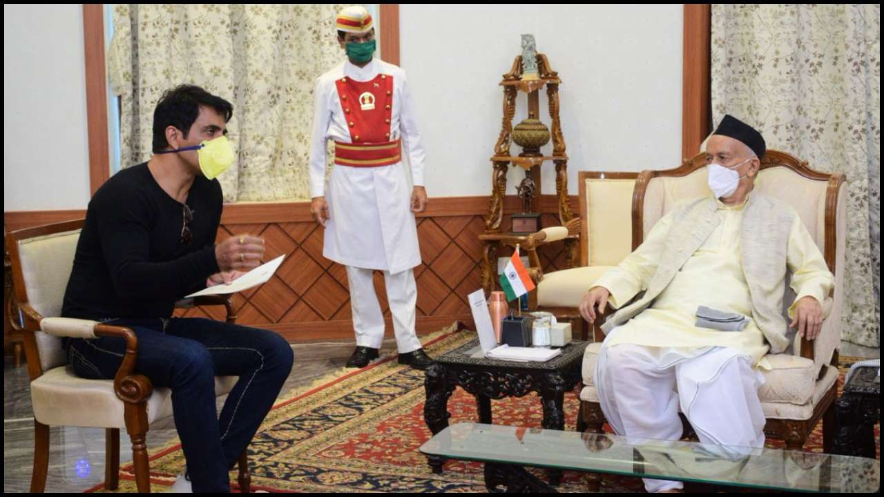 Sonu Sood meets Maharashtra governor, gets praised for helping ...
