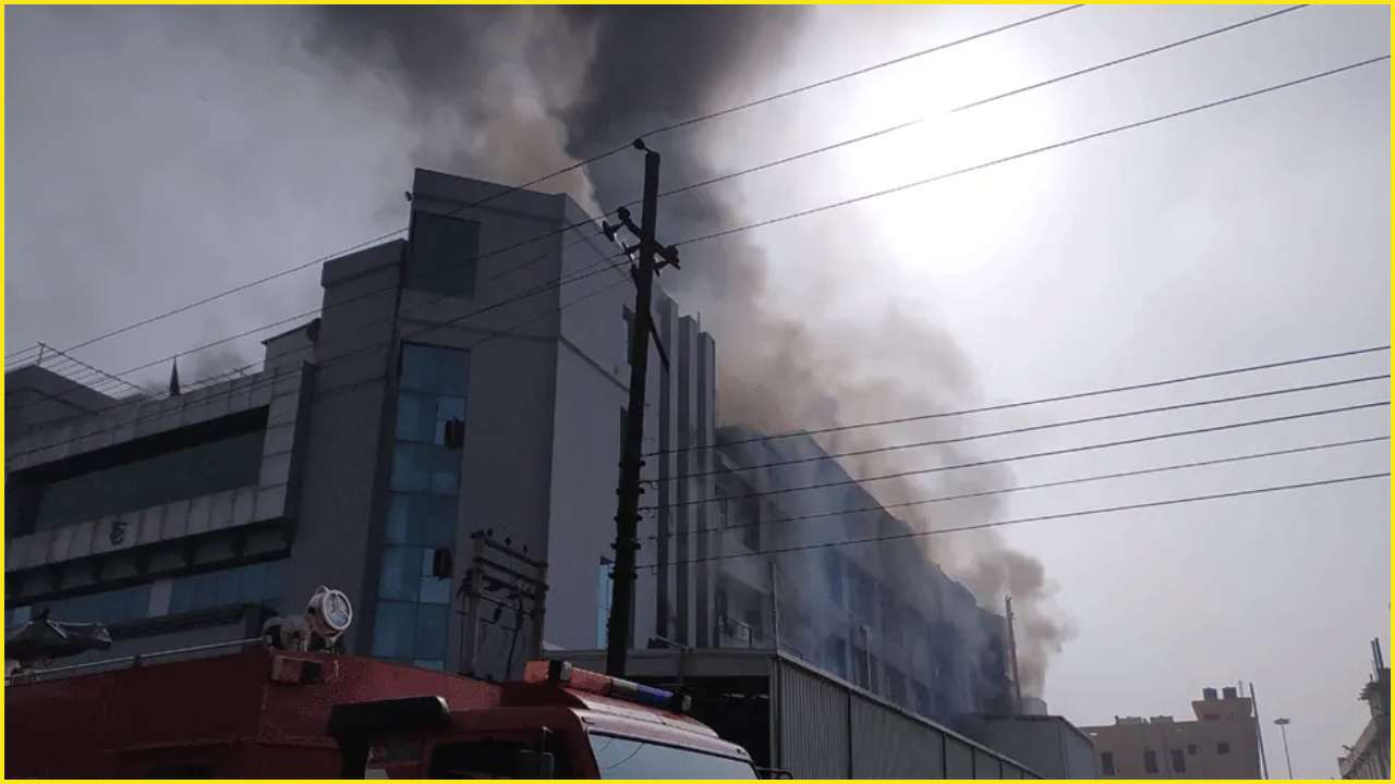Uttar Pradesh: Massive fire breaks out at cloth factory in Noida Sector 64