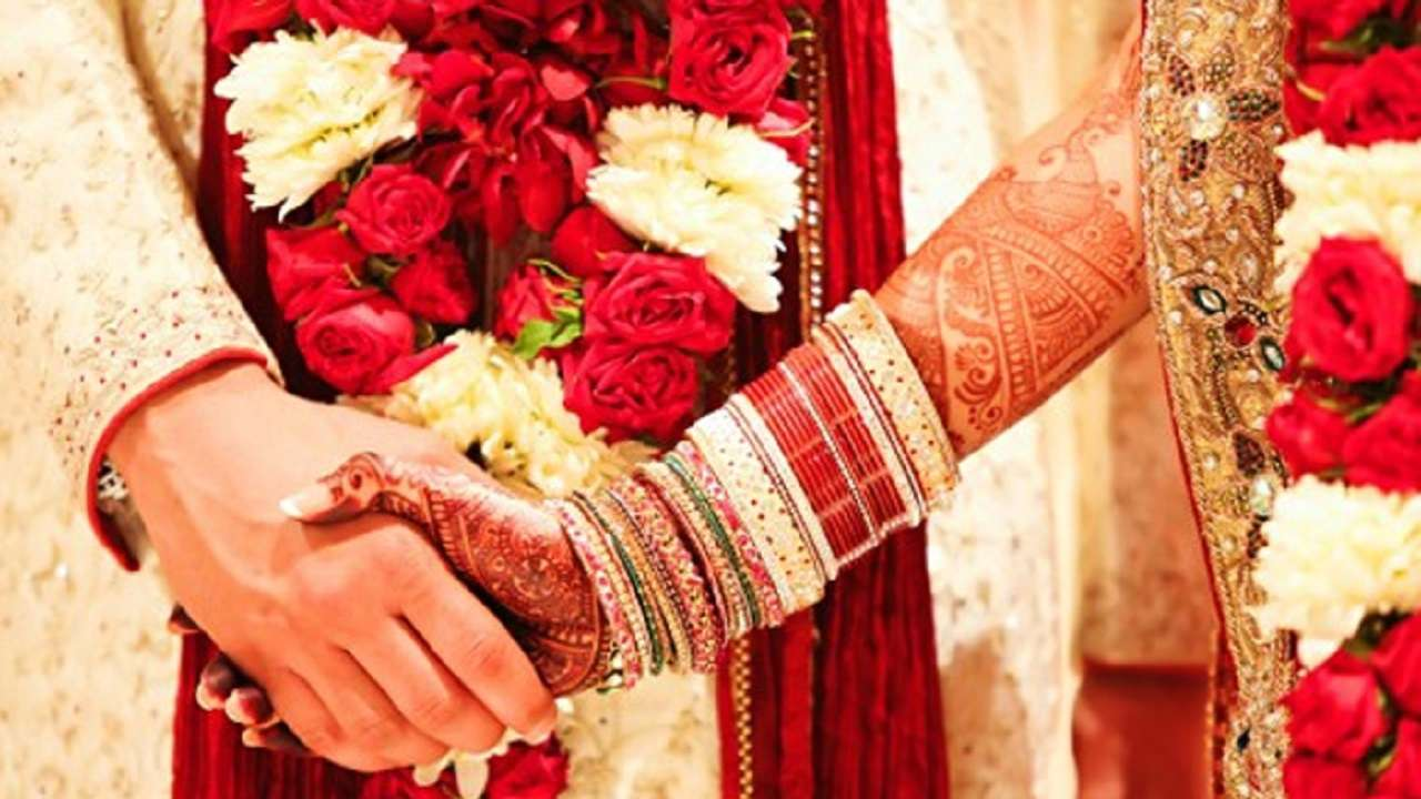 Couple seeks protection for marrying against parent's wish, end up paying Rs 10,000 for not wearing mask during wedding