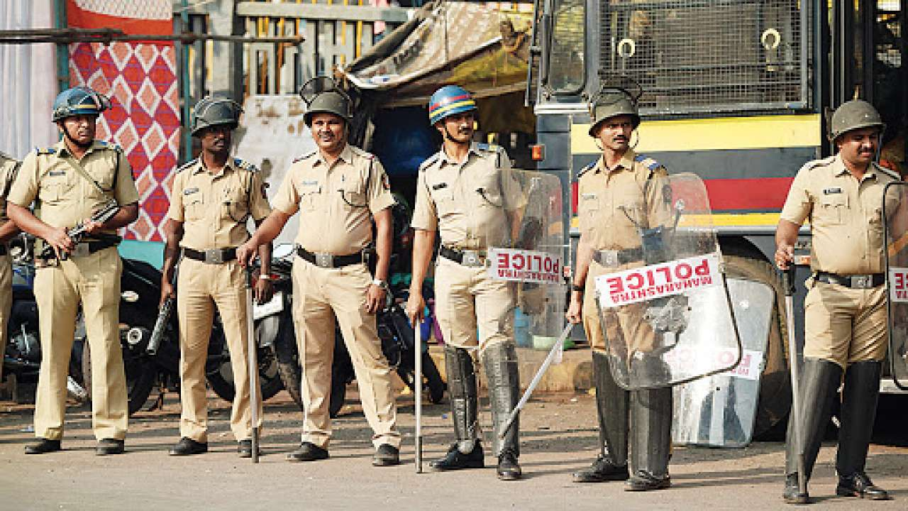 Three more Maharashtra cops succumb to COVID-19, death toll in force reaches 54