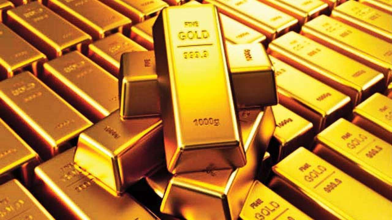 Gold rises by Rs 192 to Rs 50,214 as global prices rally