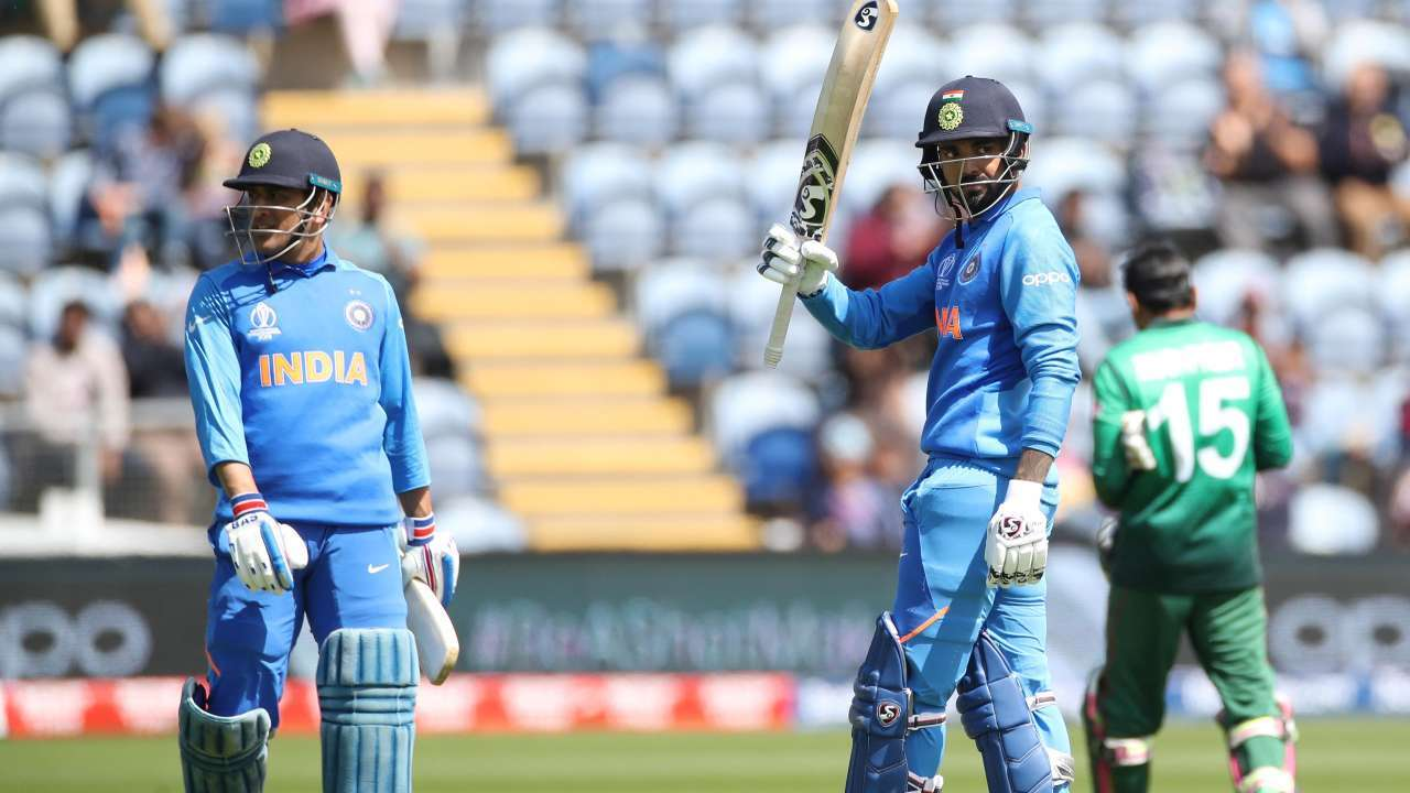 Long hug and thank you: This is how KL Rahul will ask MS Dhoni to go easy  on KXIP