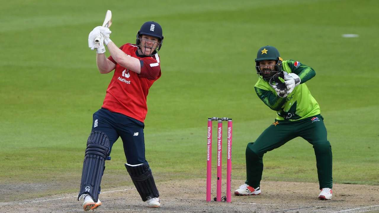 Eoin Morgan, Dawid Malan lead charge as England beat Pakistan by 5 wickets in 2nd T20I, take unassailable lead