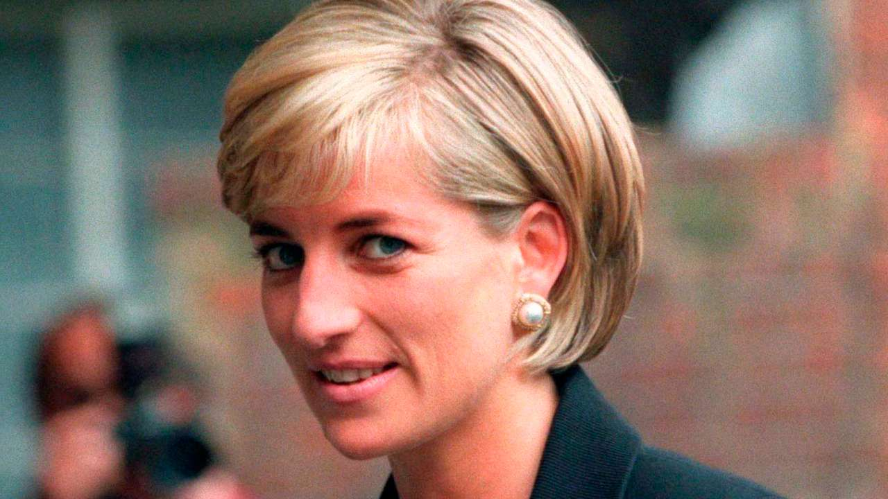 remembering princess diana fashion tricks she adopted to make a mark as a style icon remembering princess diana fashion
