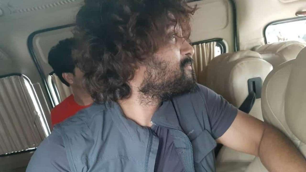Pushpa' actor Allu Arjun's rugged look makes fans go weak in their ...