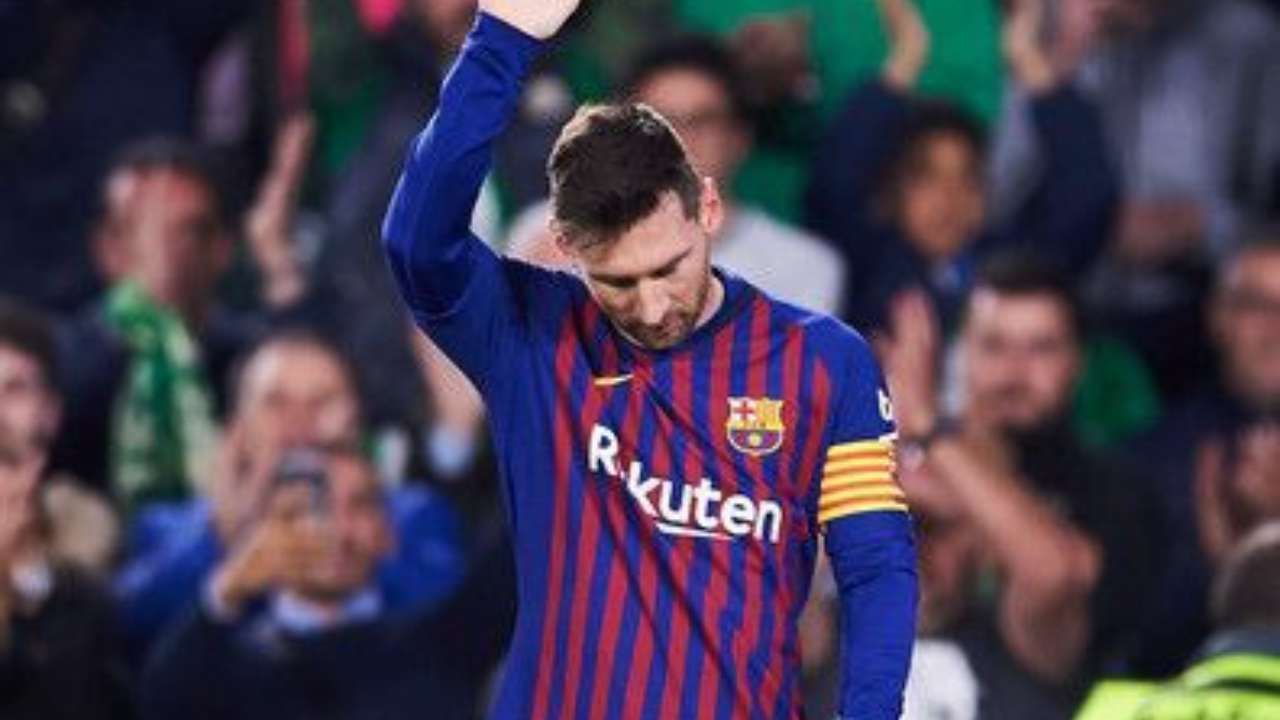 lionel messi calls an end to the war with fc barcelona s board regrets hurting fans lionel messi calls an end to the war