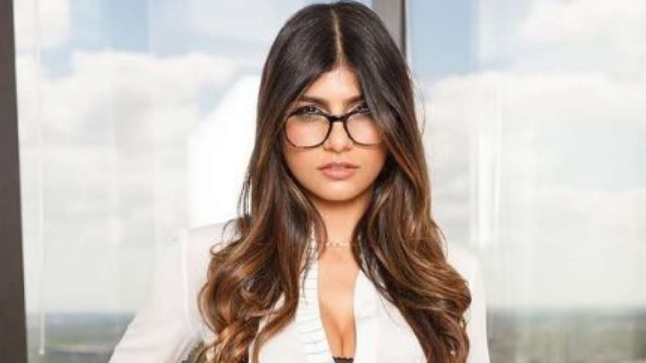 Mia khalifa adult porn Who Is Mia Khalifa The Former Adult Star Extending Support To Farmers Protest In India