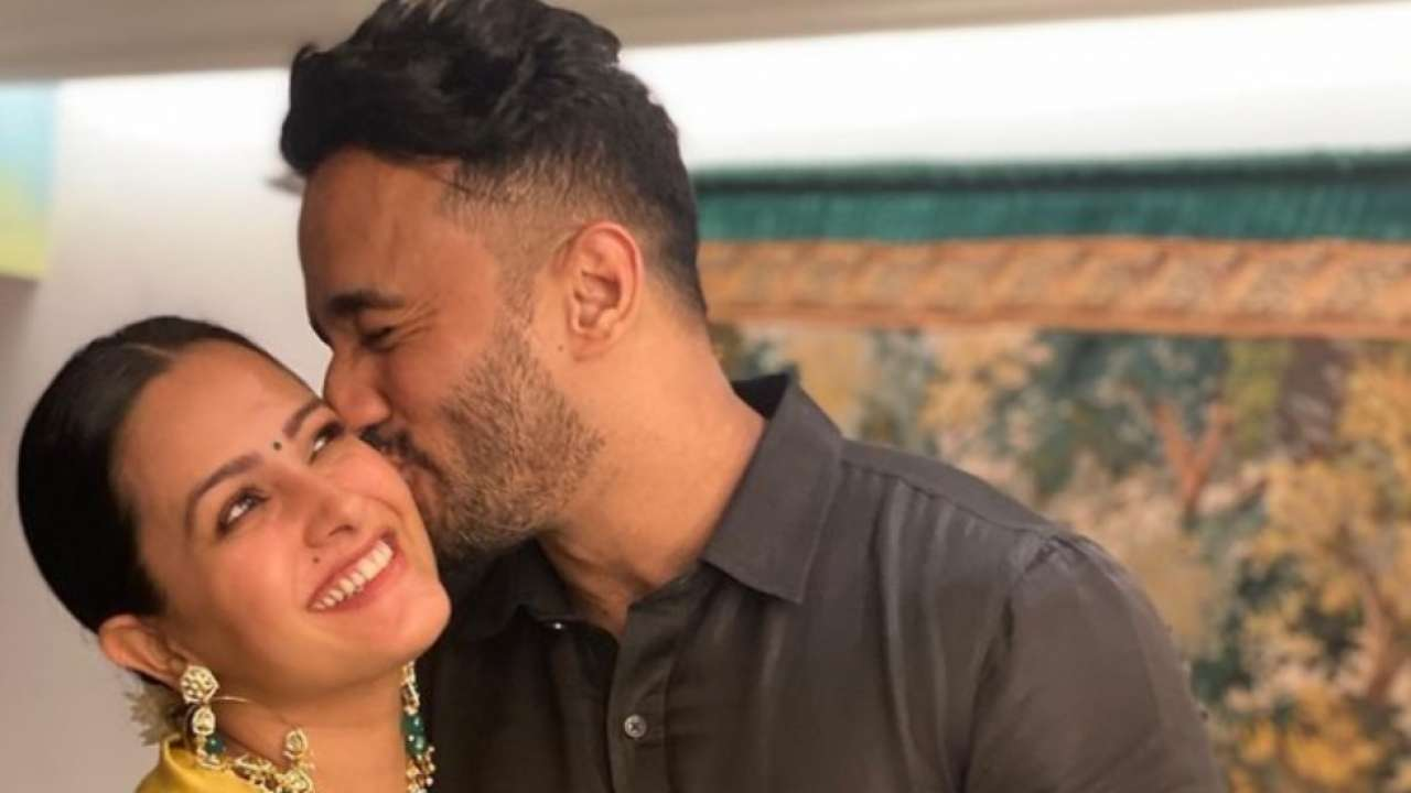 Anita Hassanandani shares adorable photo of baby Aaravv minutes after his birth, wishes Rohit Reddy a happy birthday