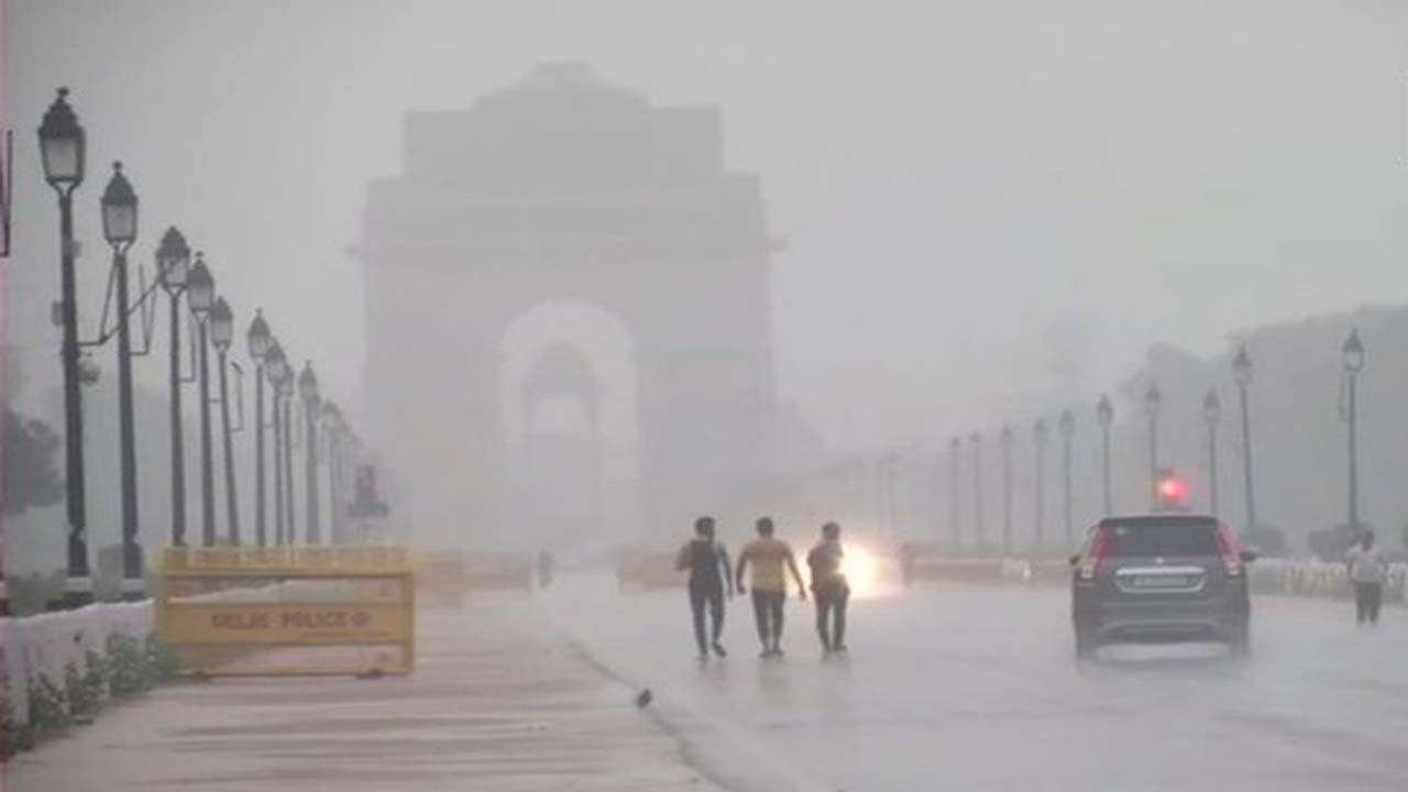 IMD predicts thunderstorm with moderate to heavy rains in Delhi