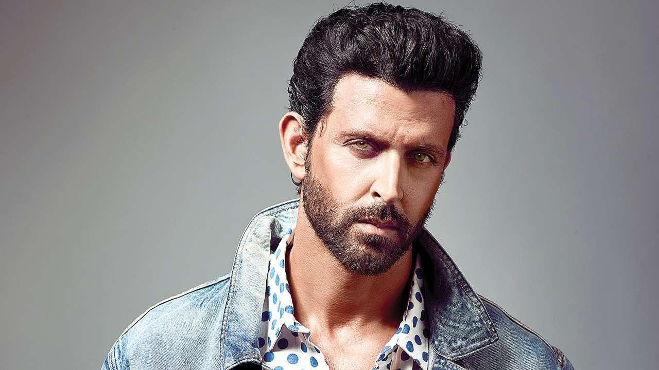 'Hrithik Roshan ke ghar par silan?' asks Instagram user, actor wins internet with honest response