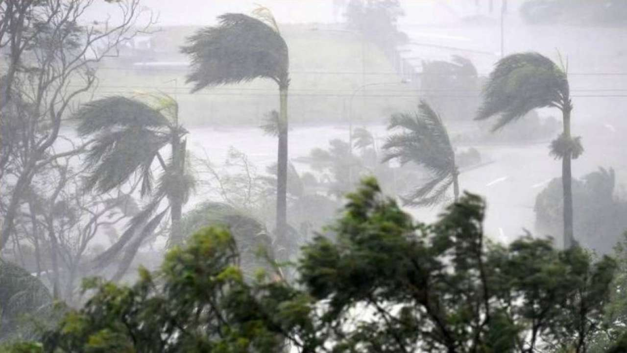 Cyclone alert issued in Andhra Pradesh and Odisha, heavy rains likely in West Bengal