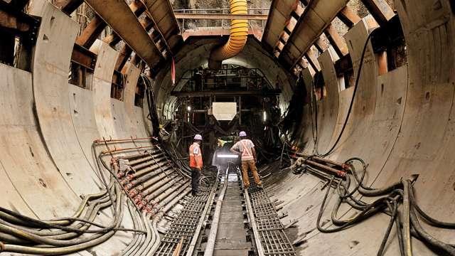 MMRDA officials take notes from Kochi Metro