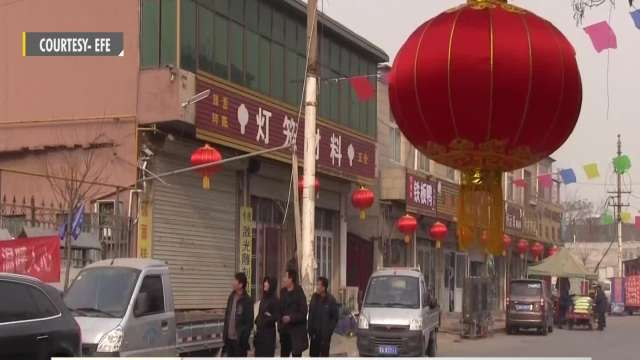 Lantern artisans gear up for Chinese New Year