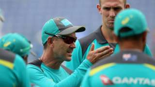 Justin Langer takes lashes out at Australian team's 'lack of foot...