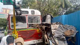 Mumbai bus driver suffers heart attack at wheels, rams into vegetable shop
