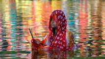 Chhath Puja 2018: Here is how lakhs of devotees offer 'Argha' to...
