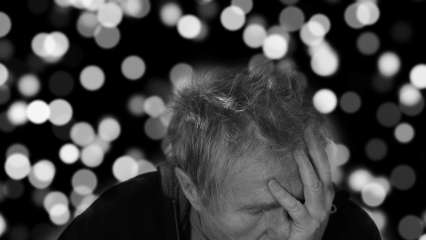 World Alzheimer's Day 2021: Date, significance and early warning signs of disease